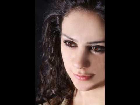 Lena Chamamyan Lamma bada لينا شماميان - لما بدا يتثنى