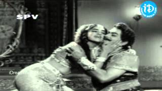Download Hindi Video Songs - Bhagya Chakram Movie Songs - Neethoti Vegalenu Song - NTR - Saroja Devi B