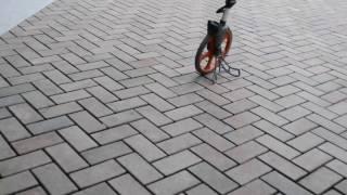 видео Укладка тротуарного клинкера