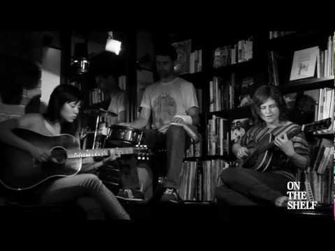 Thao & Mirah - Hallelujah - ON THE SHELF TV TOKYO