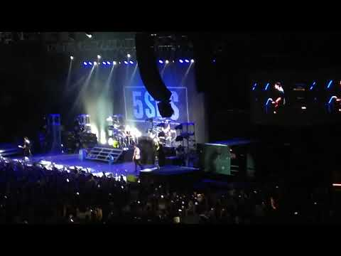 Waste The Night - 5 Seconds of Summer 10/09/2017 Argentina