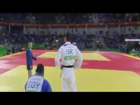 Judoka match between Egypt and Israeli..Egypt player refused to shake hands. Rio 2016 Olympics