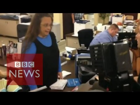 Kentucky clerk defies Supreme Court order on gay marriage - BBC News