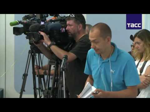 French deputy ridicules Ukrainian journalist | ENG DE SUBS