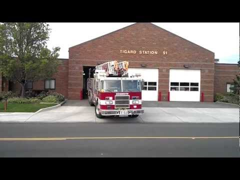 Truck 51 (Reserve) Responding Tualatin Valley Fire & Rescue(2000 Pierce Dash 105' Heavy Duty Aerial)