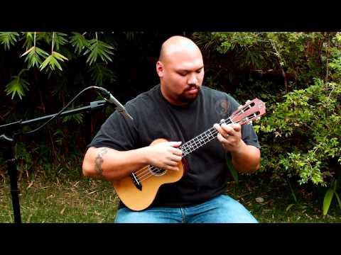 Aaron demo's Lichty's Granadillo/Cedar Tenor Ukulele