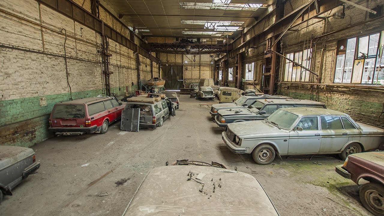 Vehicles Of The Abandoned Shed Urbex