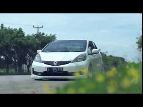Afthony's Honda Jazz RS GE8 2012   Stance Car Indonesia