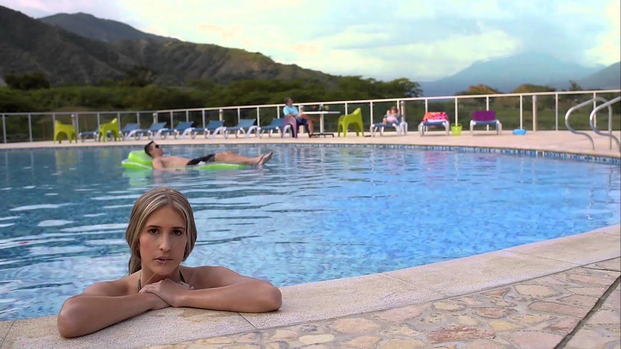 una tarde de piscina en la quinta casas campestres en