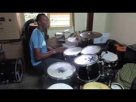 Manuel Martinez (Amazing Cuban Drummer)
