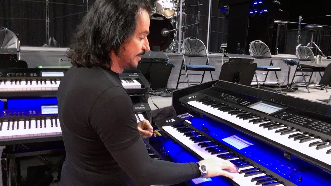 Yanni: Master Class - Keyboard techniques and sound design - YouTube