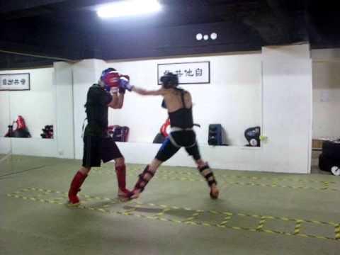 Kickboxing Training: Sanda April 10th Round 1 丹龍 (Daniel) V.s. 山田二生 (Yamada)