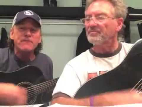 'Worthless, Gutless Cowards You Say I Must Convert or Die': Two Country Singers Just Wrote a Song With a Bold Message for Terrorists