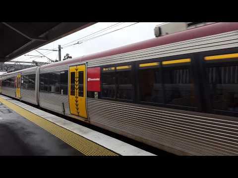 Queensland Rails IMU185 & IMU170 express through Yeerongpilly.