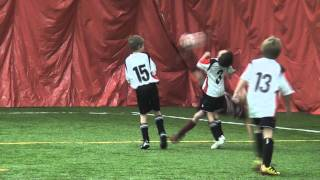 Amazing 8 year old soccer player scores goal from bicycle kick