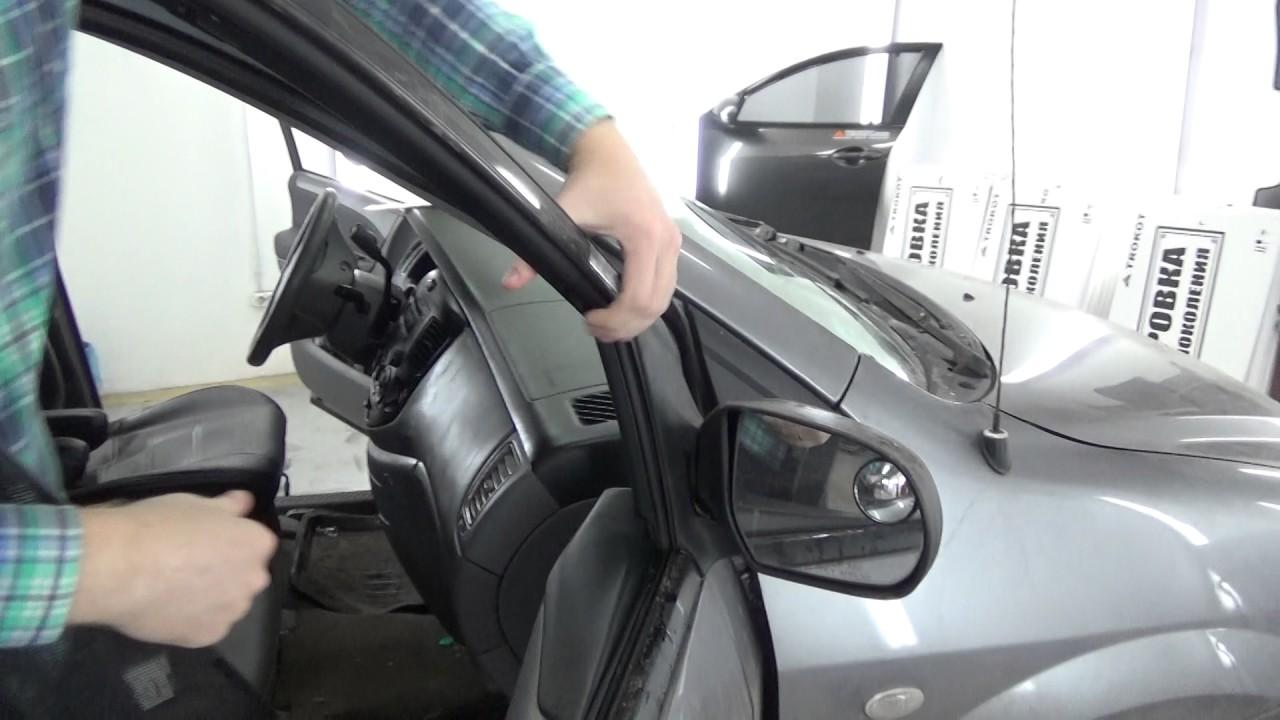 Установка экранов TROKOT на Mazda MPV 2 на передние двери.