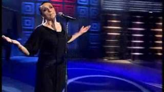 "Luz Casal canta ""Soy"" no Luar. 12/09/2008"
