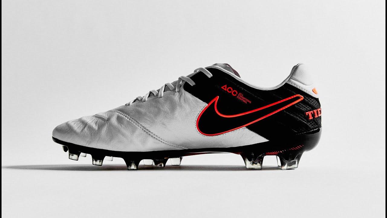 pretty nice 31a9f dbf0b Nike dévoile ses nouveaux crampons, la Tiempo 6