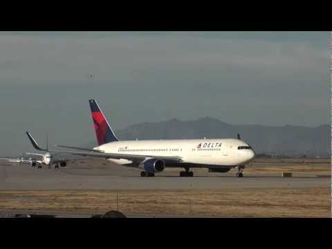 Time Lapse of Jets at Salt Lake International Airport