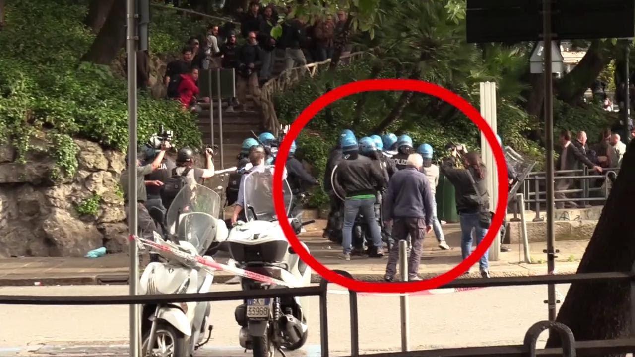 Download Genova, giornalista di Repubblica picchiato dalla polizia durante scontri con antagonisti: il video