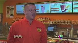 Pareja hispana logra su negocio de helados