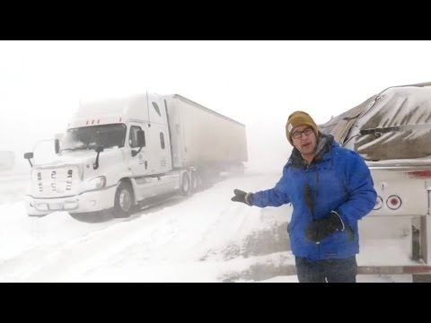 Stranded drivers on snow-clogged Manitoba highways