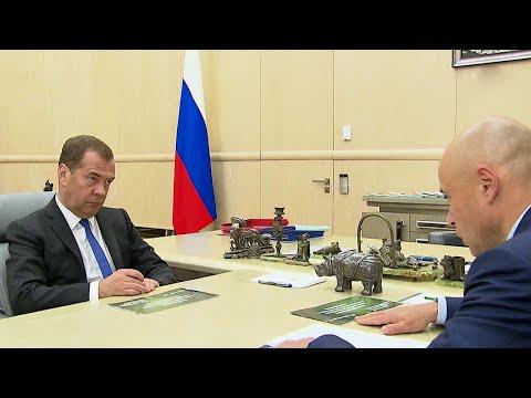Социально-экономическое развитие Липецкой области Д.Медведев обсудил с главой региона И.Артамоновым.