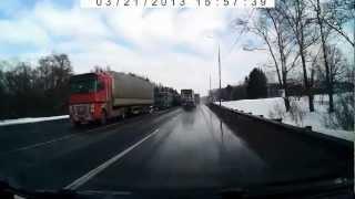 дтп на трассе 107 в раёне Сынково(, 2013-03-21T22:17:30.000Z)
