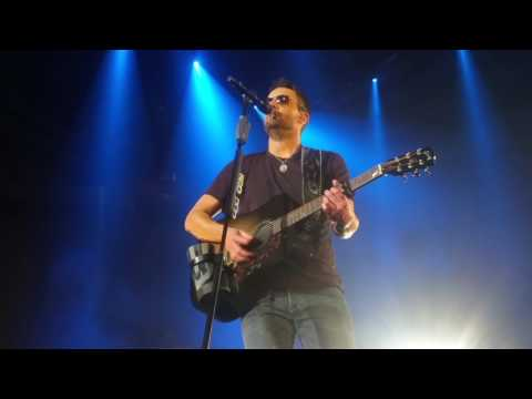 Eric Church  Walking In Memphis  Thats How I Got To Memphis 2182017 Southaven, MS