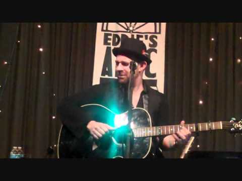 Kristian Bush-Gold and Green-Live at Eddie's Attic 2010