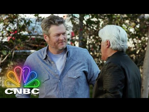 Jay-Leno-and-Blake-Shelton-Go-For-a-Spin-in-a-Vintage-Pickup-Truck-Jay-Lenos-Garage