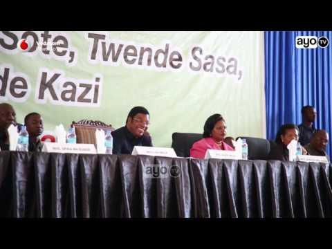Steve Nyerere alivyoigiza sauti ya Mwl. Nyerere mbele ya Waziri mkuu