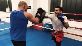 Thaiboxen Training mit Paos