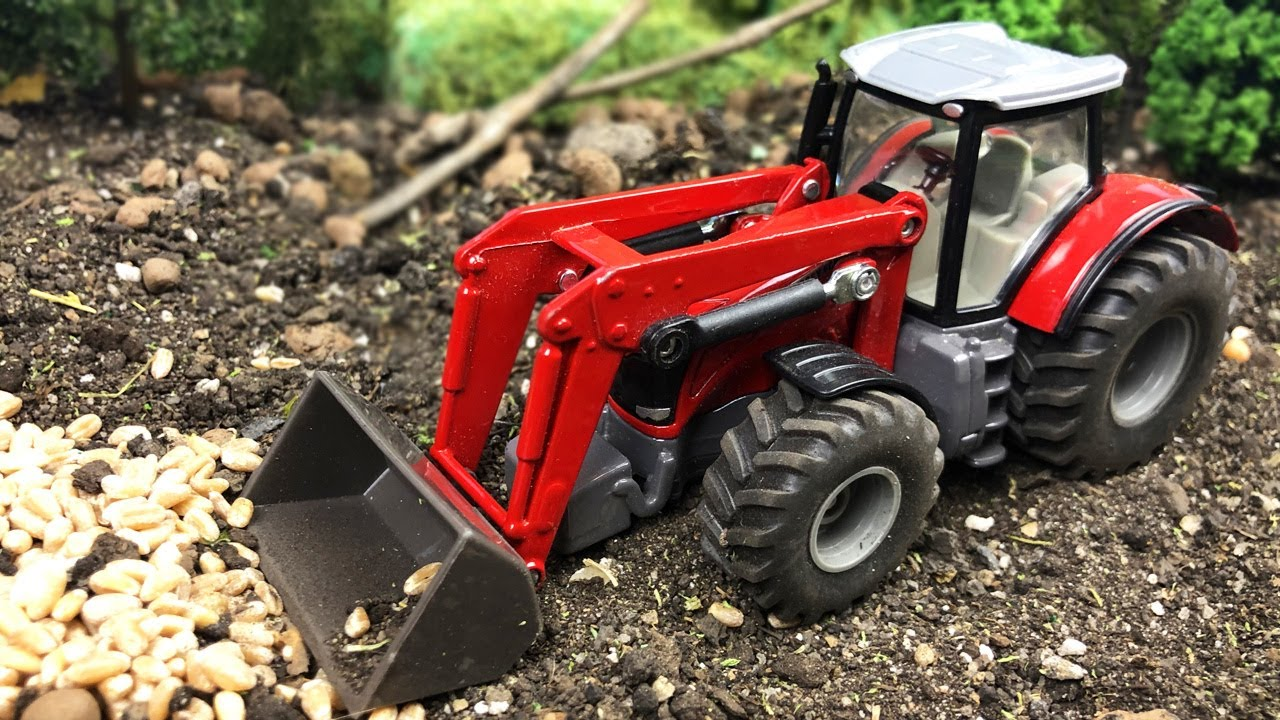 Мультики про машинки. Автокран и Трактор помогают Джипу доехать до фермы