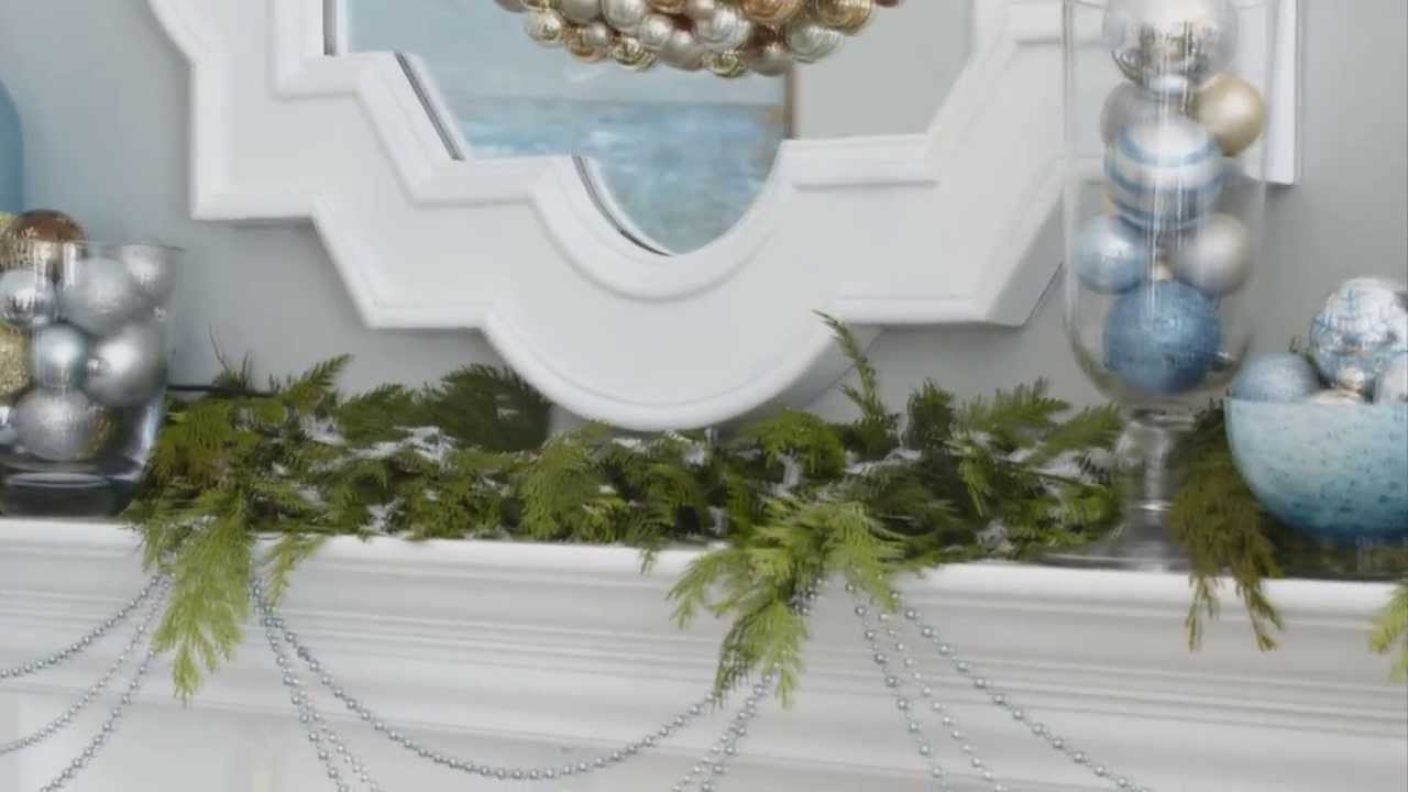 How To Decorate A Mantel For Christmas.Christmas Mantel Decor In 3 Steps