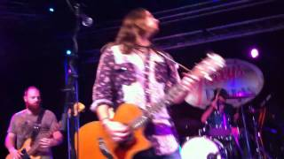 Video Whiskey Myers @ Gilleys Dallas Summer 2005 August 13th 2010 download MP3, 3GP, MP4, WEBM, AVI, FLV Maret 2017