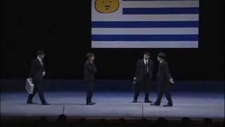 背不起台詞的三人,要如何瞞過劇團長和觀眾的眼睛偷看小抄? (「ウルグ...