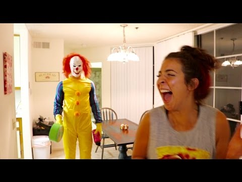 Thumbnail: KILLER CLOWN SIGHTING IN HER APARTMENT!!