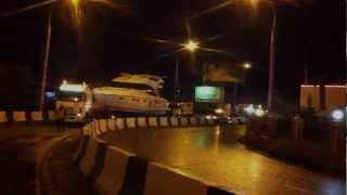 Перевозка яхты Princess 58 - улучшенная версия видео(http://sprinter-marine.ru/ Перевозка моторной яхты Princess 58 из ангара зимнего хранения к месту летней стоянки., 2013-02-11T15:33:27.000Z)