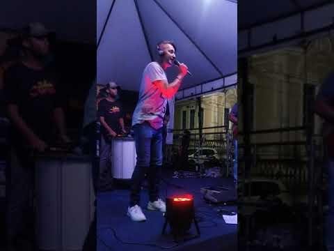ILHÉUS: Ratinho Menezes fecha noite do Projeto Música na Praça 3
