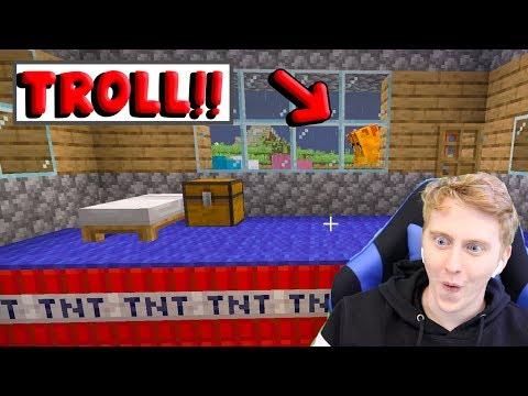 I TROLLED AMEERAH IN MINECRAFT! Minecraft #4