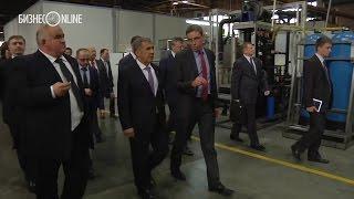Рустам Минниханов посетил завод автокомпонентов в Костроме(Костромской завод автокомпонентов посетил вчера президент Татарстана Рустам Минниханов. Предприятие..., 2016-05-25T08:14:30.000Z)