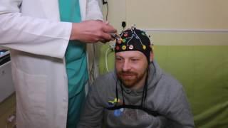 Электроэнцефалография (ЭЭГ) в Киеве(Электроэнцефалография – это безопасный неинвазивный метод исследования, который показывает электрическу..., 2016-05-13T16:38:08.000Z)