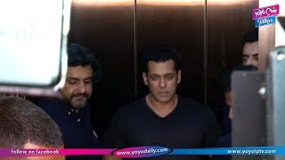 Race 3 Team Salman Khan Jacqueline Fernandez At Ramesh Taurani Birthday Party | YOYO Cine Talkies