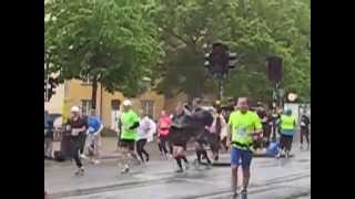 Stockholm Marathon 2015  Km 15 motivation from his woman