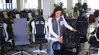 Обзор стильного кресла руководителя Лайм Black с низкой спинкой в черной сетке