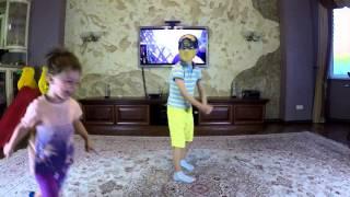 ➋★ Тимати - Баклажан (Лада Седан). Давид и Даня танцуют и веселятся :)
