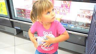 Оливия приехала в Бенидорм Испания   Покупаем продукты в дом.