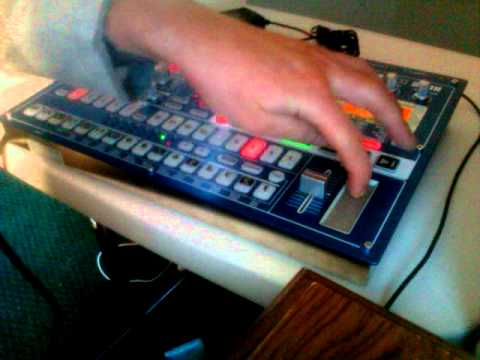 Scatterboxx - Electronic Dance Music on the Korg Electribe EMX-1 SD - Live Beat Building Jam
