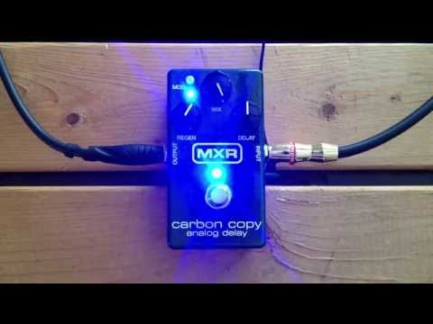 5 Minutes With The MXR Carbon Copy Analog Delay - Pedal Demo